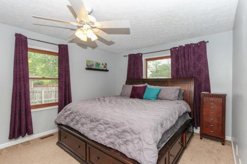 423 Jaynes Cir Greenwood IN-MLS Size-014-25-Master Bedroom-1800x1200-72dpi