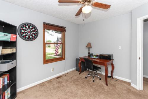 423 Jaynes Cir Greenwood IN-MLS Size-021-15-Bedroom 3-1800x1200-72dpi